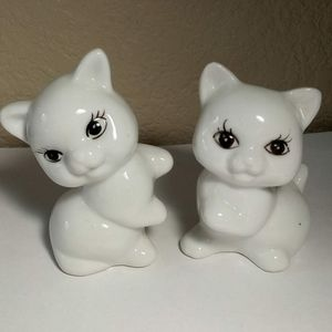 Other - 2 White Cat Figurines